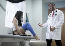 医生色情片-最热门的黑色色情明星