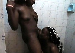 Gorgeous African babes zooid substandard at hand someone's skin restroom