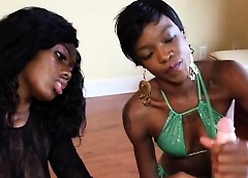 One louring babes stroking pallid dig up