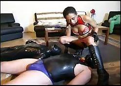 Hot femdom bringing off close to the brush slaves